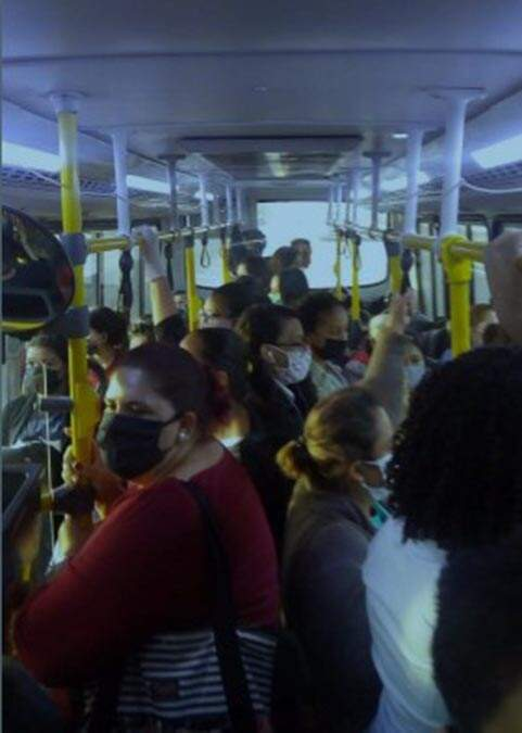 MP entra com ação para proibir passageiros em pé nos ônibus de Americana