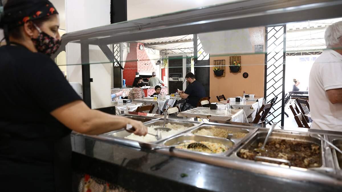 Governo federal estuda medidas para atender setor de bares e restaurantes