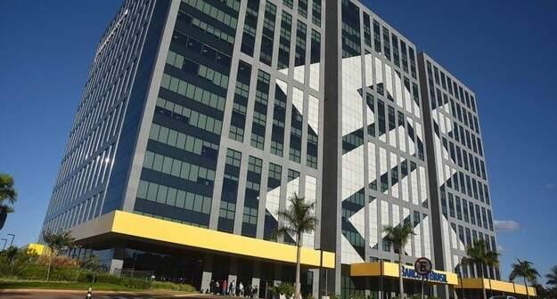 Rubem Novaes entrega renúncia à presidência do Banco do Brasil