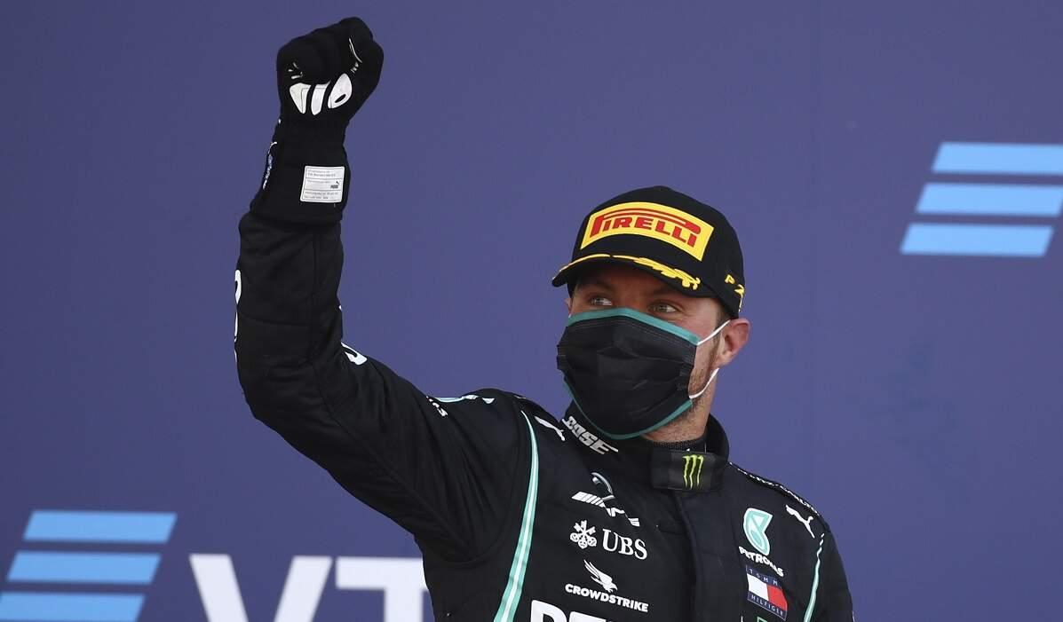 Hamilton é punido e Bottas vence o GP da Rússia