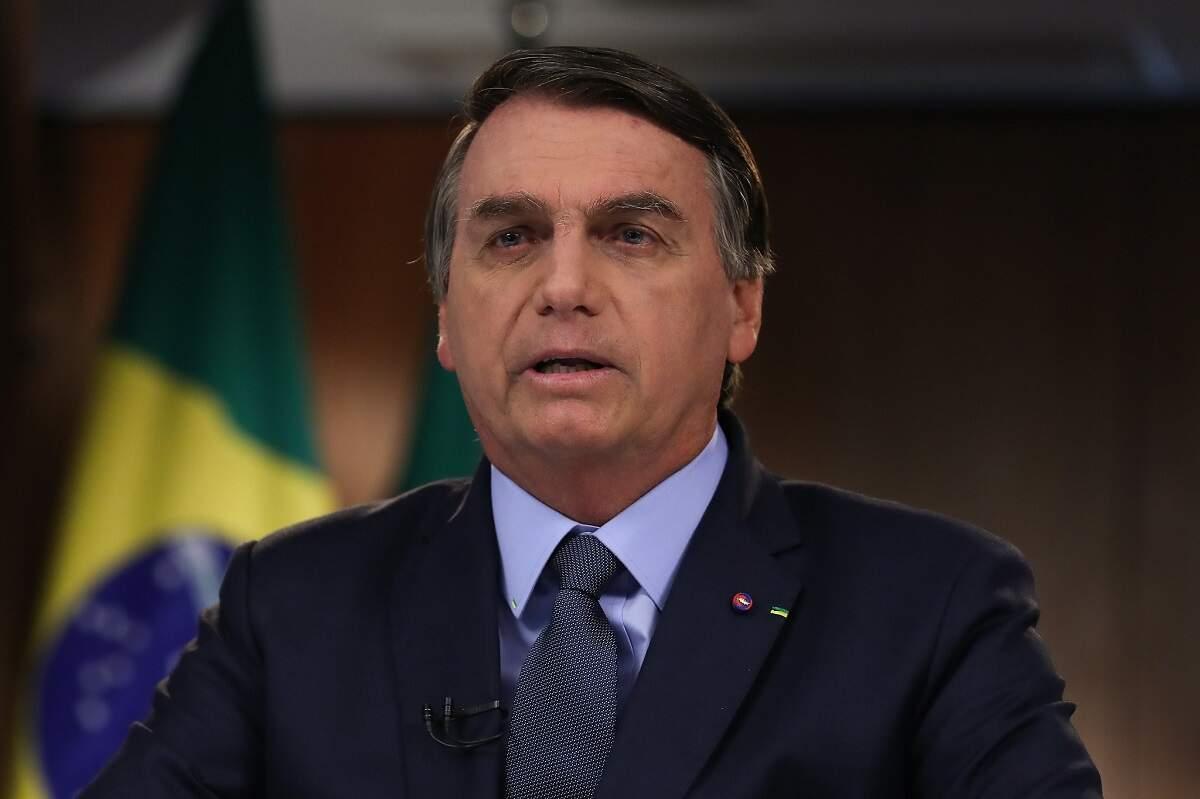 Bolsonaro defende governo e rebate críticas à gestão ambiental