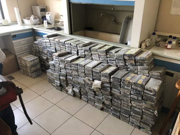 PF pega mais de 1,3 tonelada de cocaína após perseguições no interior de SP