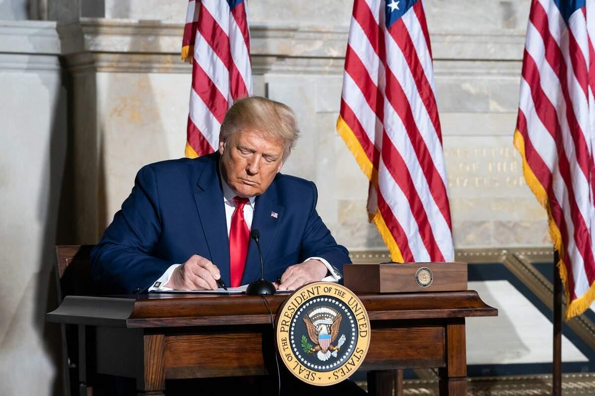 Republicano consegue votos que podem confirmar indicação de Trump à Suprema Corte