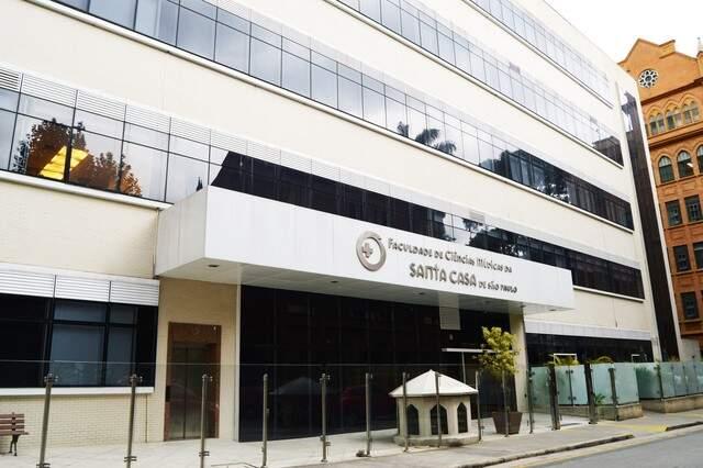 Faculdade de Ciências Médicas da Santa Casa de SP oferece mais de 230 bolsas