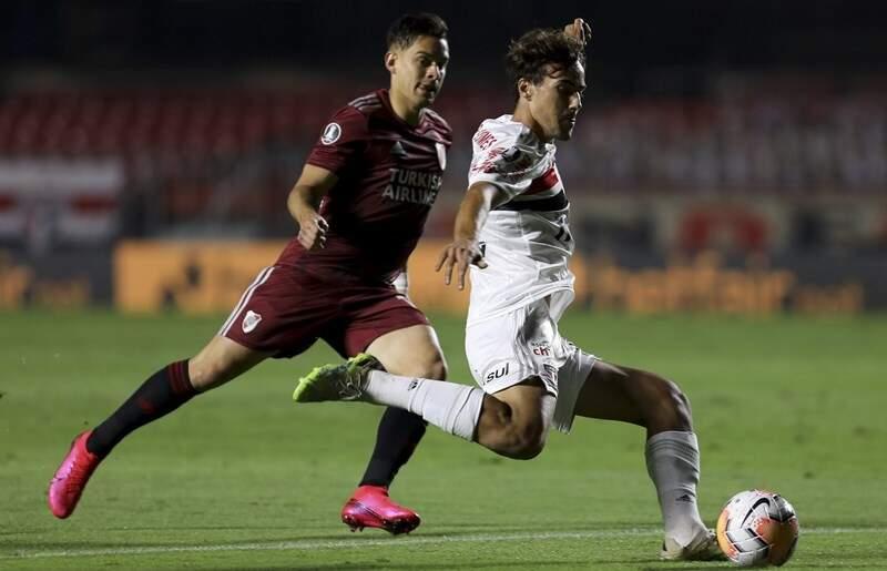 São Paulo conta com dois gols contra e empata com o River Plate