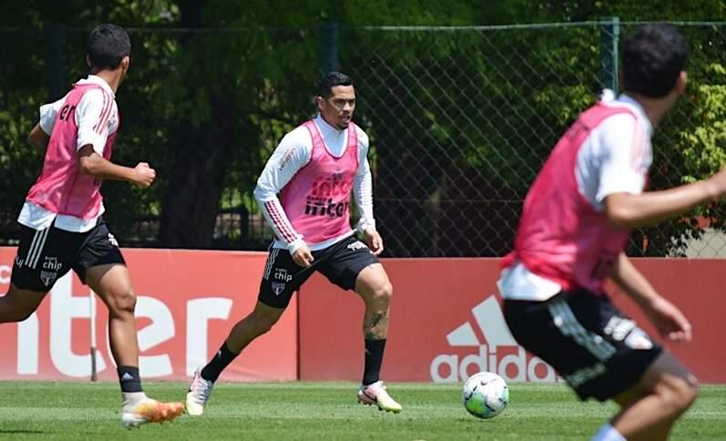 Luciano treina e pode voltar; Igor Vinícius tem poucas chances
