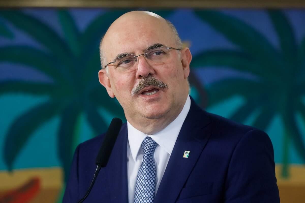Ministro da Educação rejeita acordo para se livrar de inquérito por homofobia