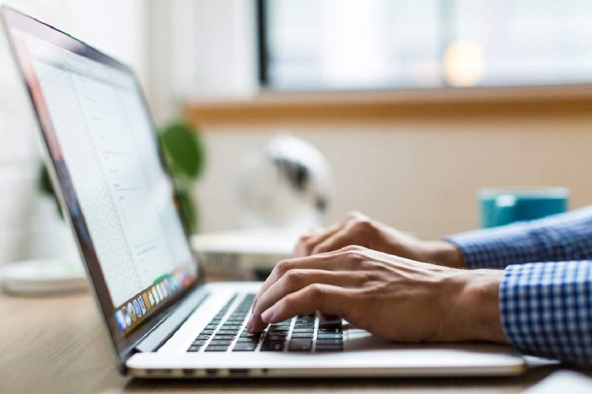 Governo de São Paulo irá subsidiar 161 mil computadores a professores