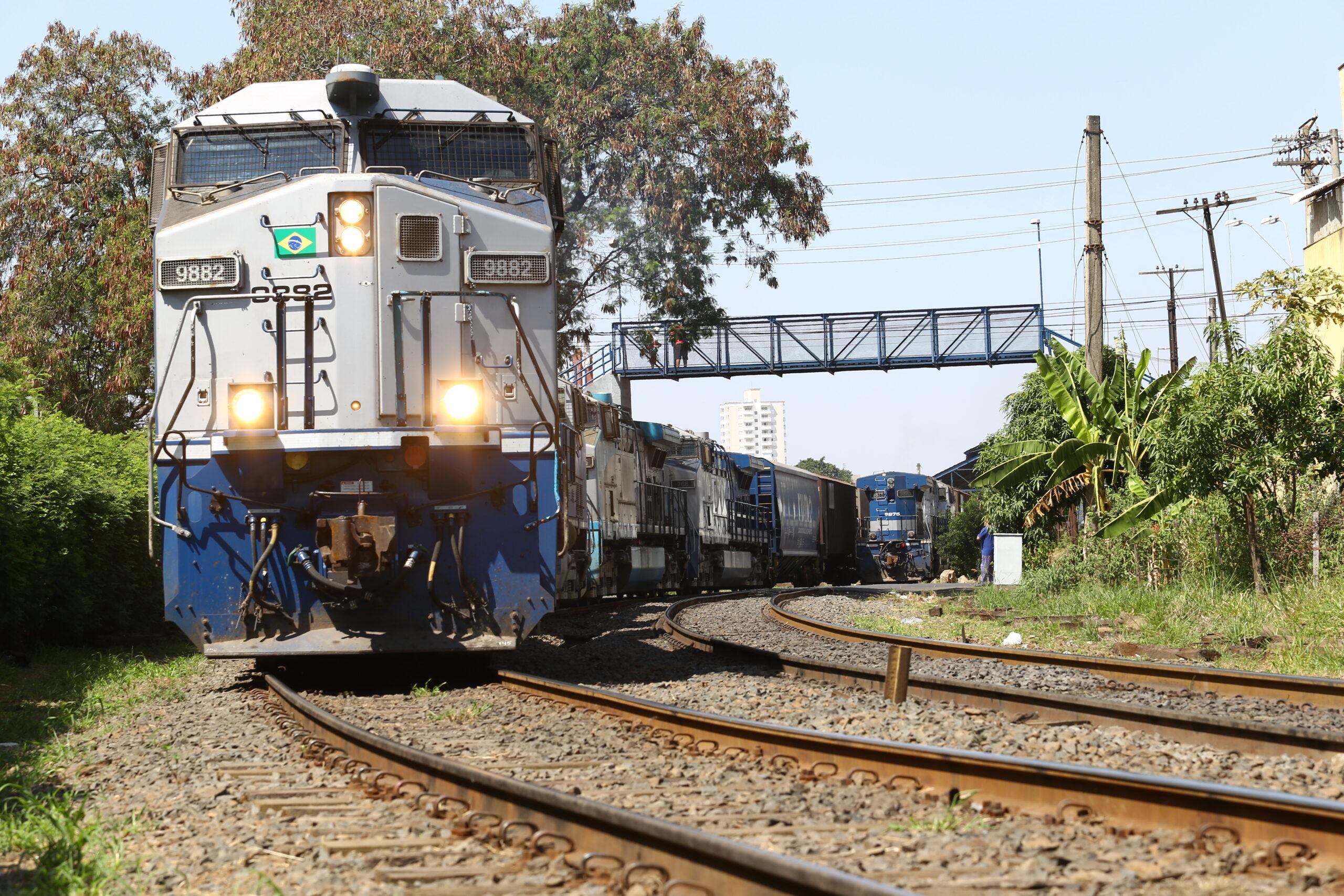 Nathália Camargo apresenta projeto para proibir buzina de trem durante a noite