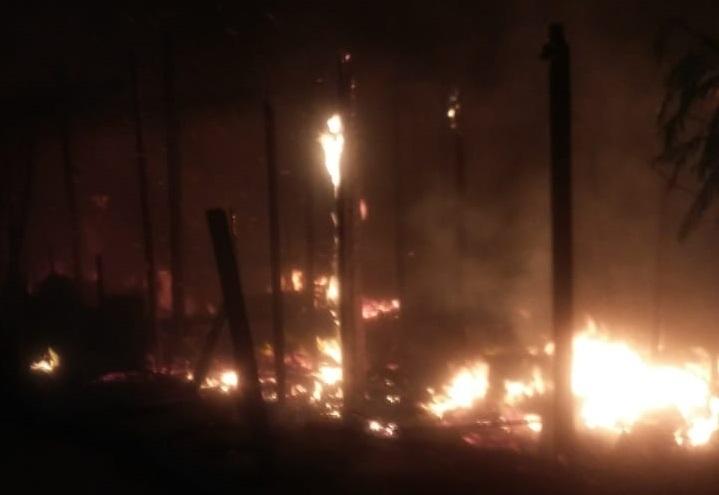 Incêndio destrói seis barracos no Jardim Boa Esperança, em Hortolândia