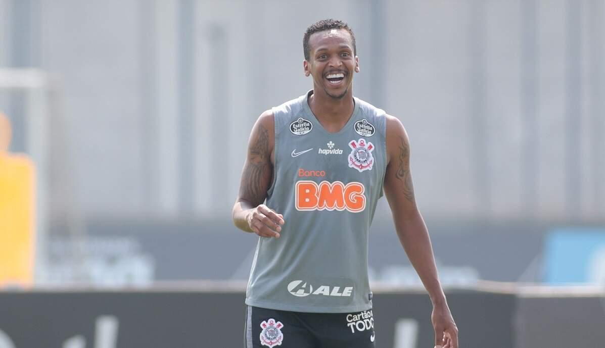 Treino do Corinthians tem retornos de Jô, Cazares e Gustavo Silva