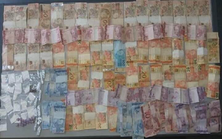 Polícia encontra R$ 2,1 mil do tráfico e prende mulher em Hortolândia
