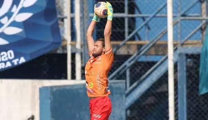 Goleiro ex-Monte Azul começa a treinar no União Barbarense