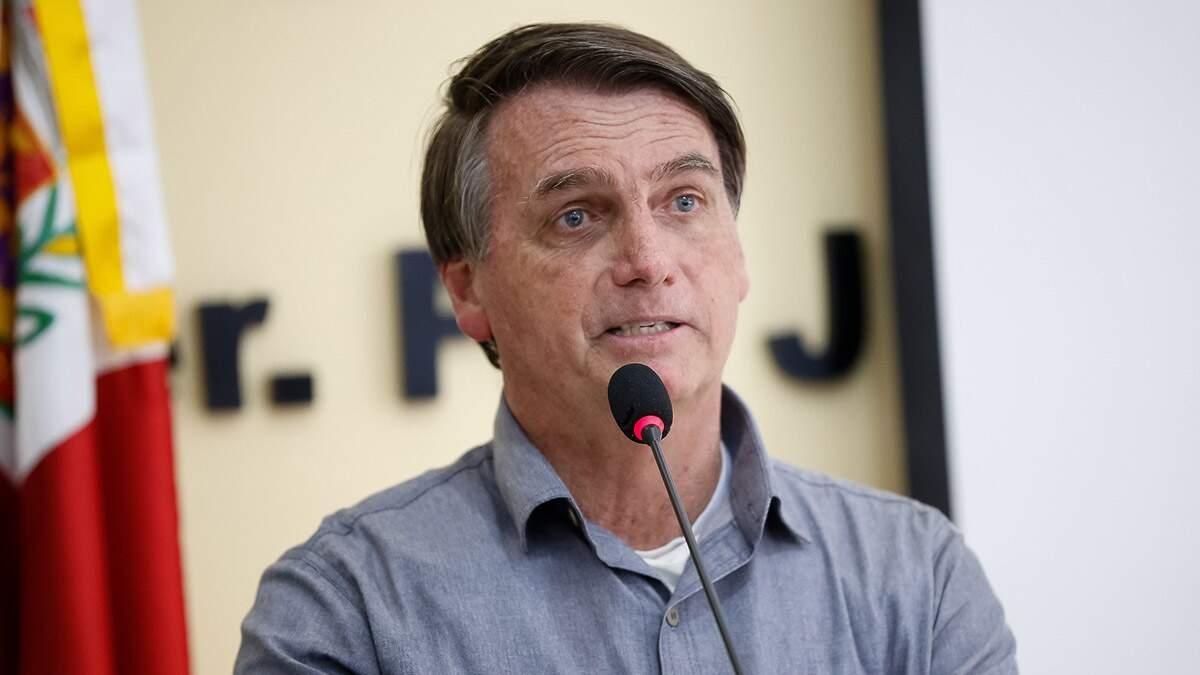 Bolsonaro diz que o Brasil está de 'parabéns' na questão ambiental