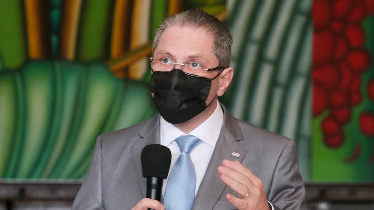 São Paulo tem 964.921 casos confirmados de Covid-19 e 34.877 óbitos
