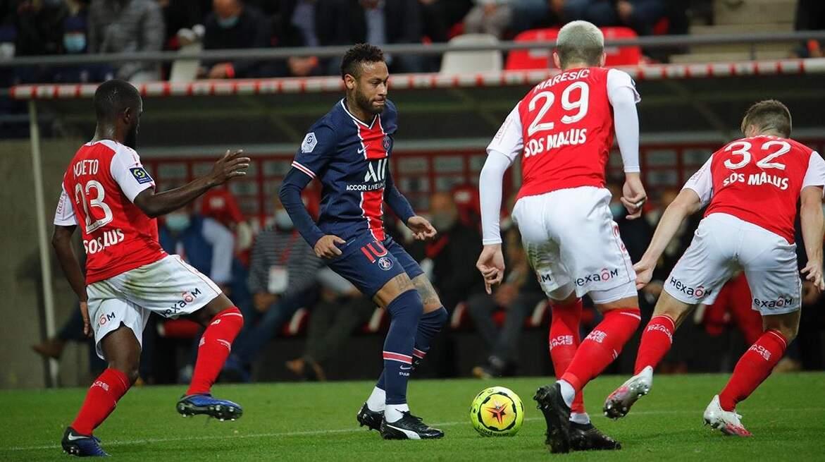 Neymar volta após suspensão e dá assistência na vitória do PSG