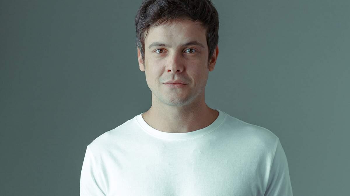 Sérgio Guizé comemora reprise de 'Êta Mundo Bom'