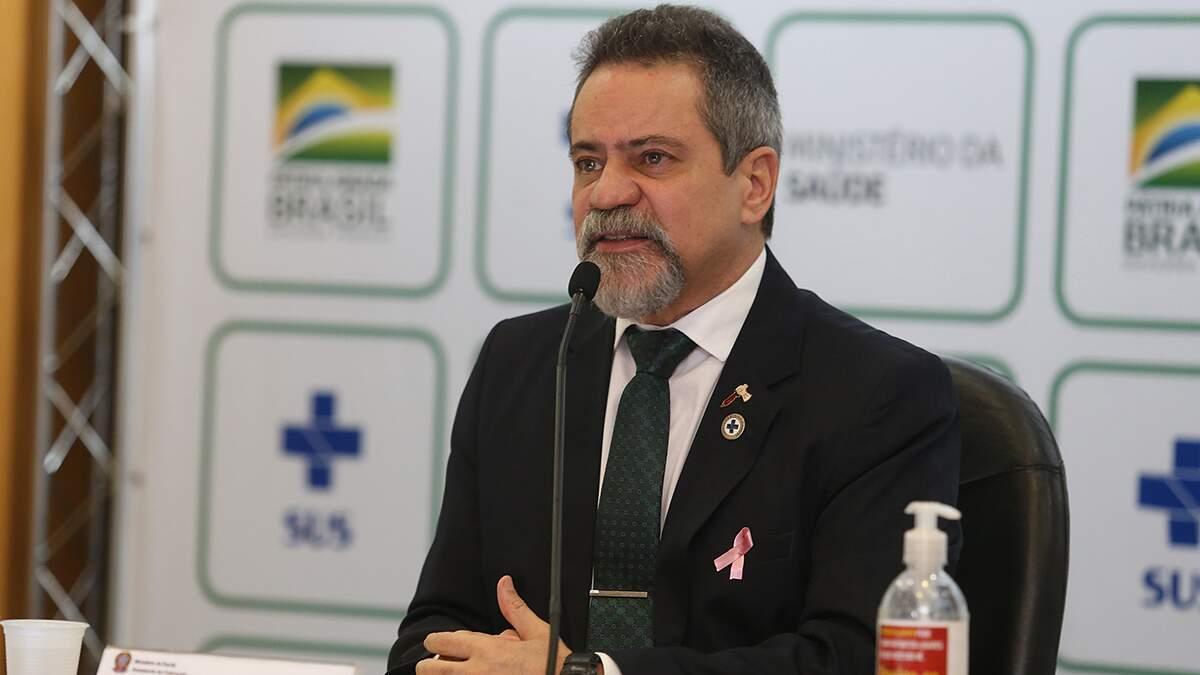 Secretário diz que houve má interpretação de fala do ministro e refuta Coronavac