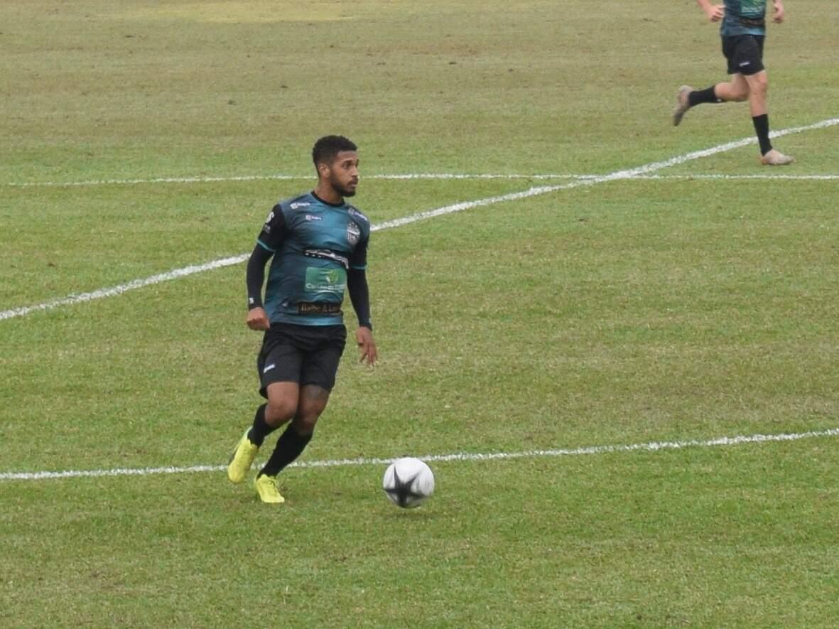 Vitinho é dúvida para estreia do União Barbarense