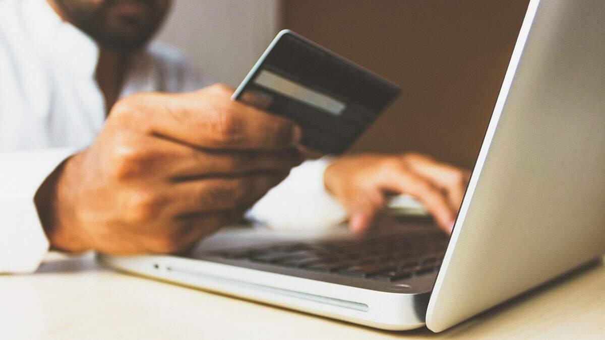 Vendas no e-commerce brasileiro disparam 87% em outubro