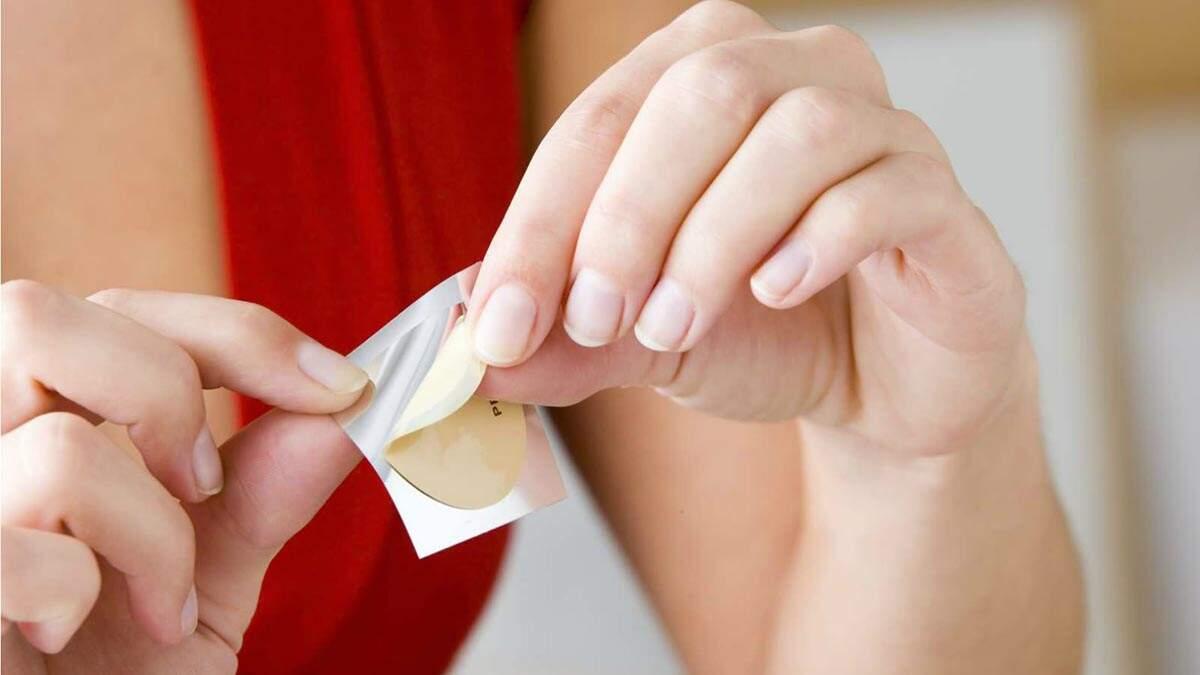 Patchs adesivos oferecem praticidade e rapidez