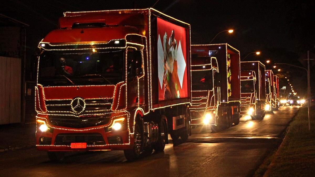 Caravana de Natal da Coca-Cola passa por Americana