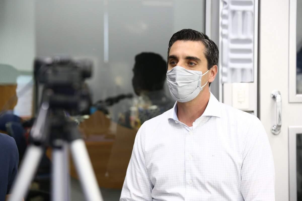 Piovezan diz que vai contratar médicos no primeiro ano de governo