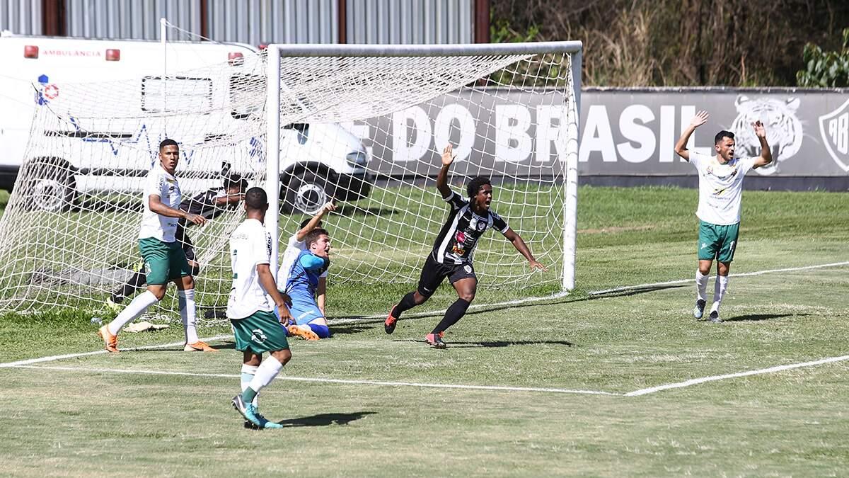 Rio Branco vence Francana com gol contra