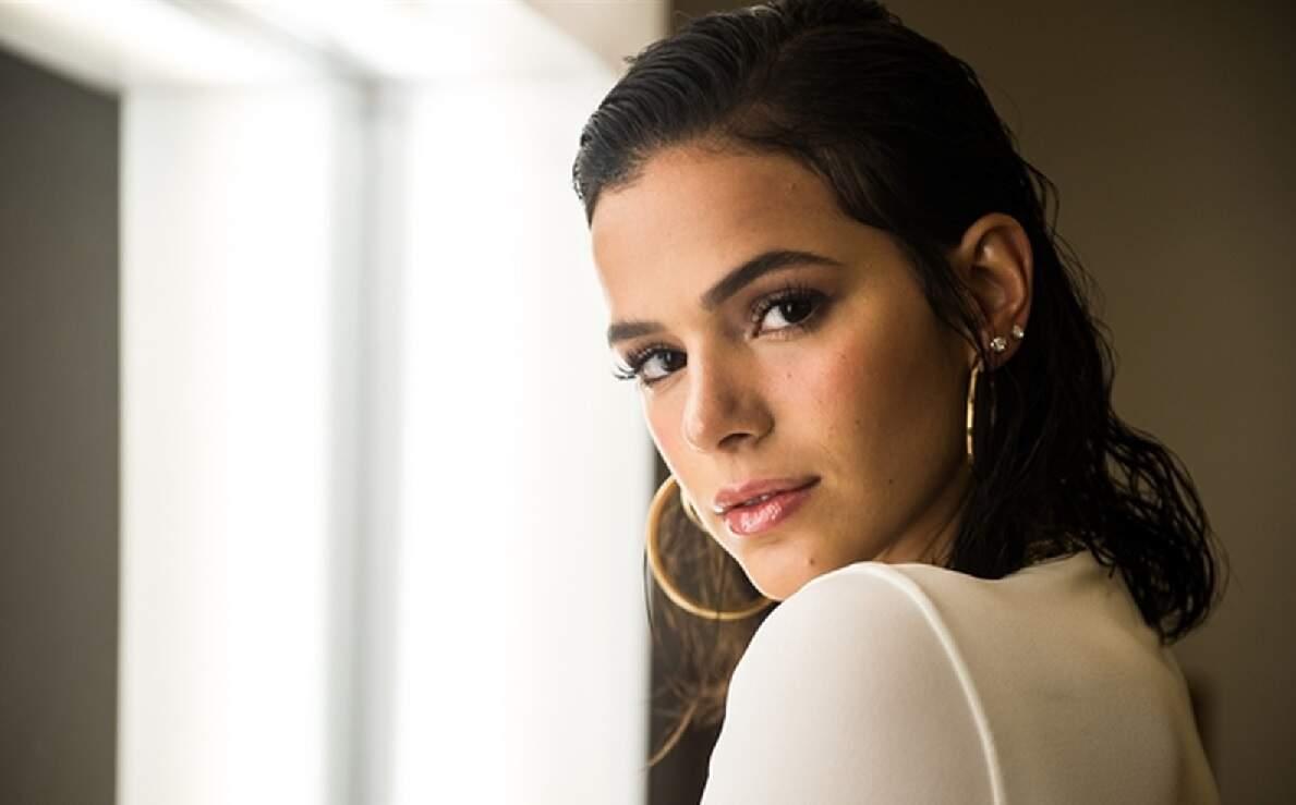Bruna Marquezine é contratada pela Netflix e 'invade' séries