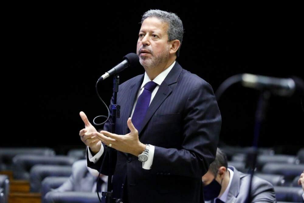 Artur Lira faturava R$ 500 mil com desvios, afirma PGR