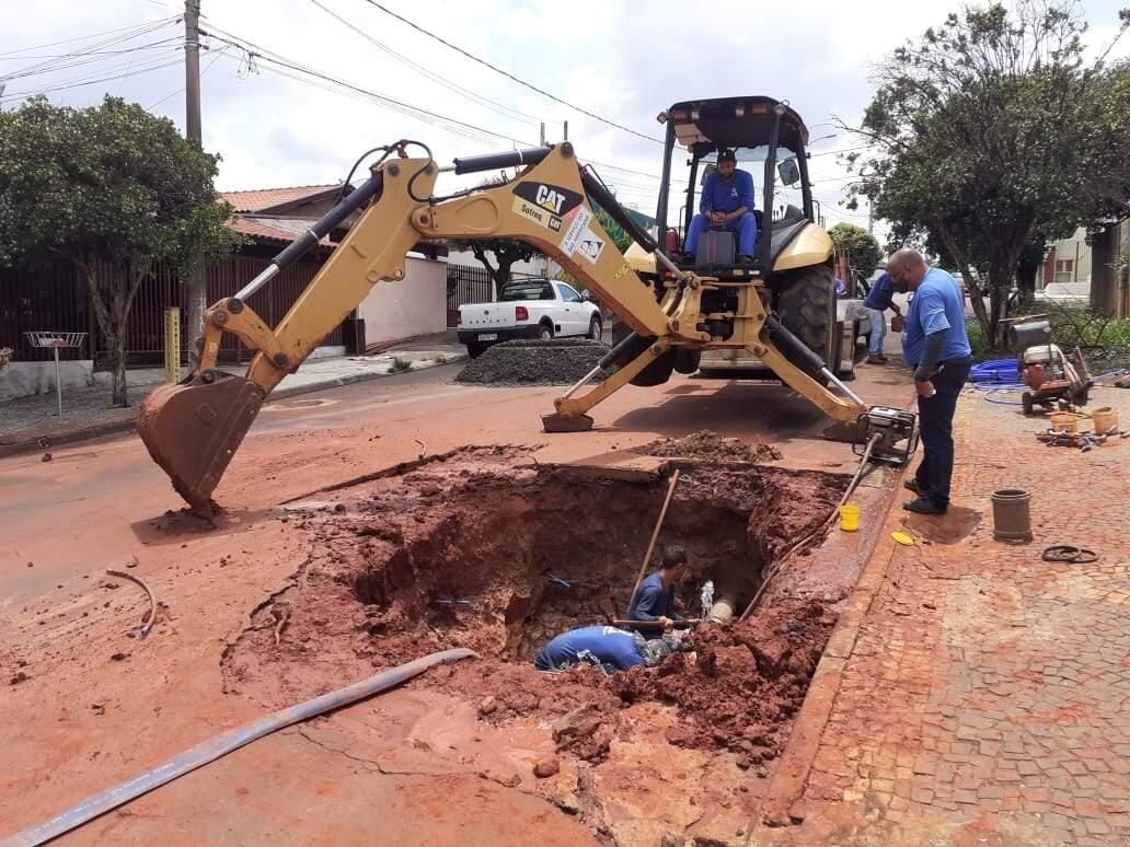 Vazamento no Zanaga deixa moradores sem água