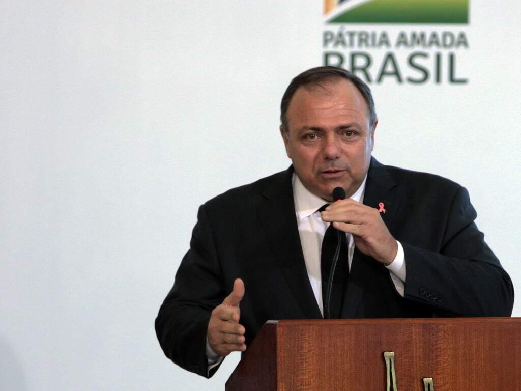 Se Pazuello não apresentar teste positivo, terá feito 'manobra', avalia senador