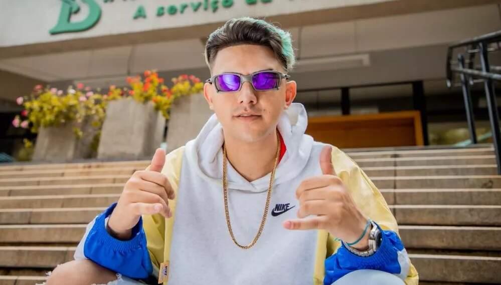 MC Fioti lança remix de 'Bum Bum Tam Tam' sobre vacina Coronavac