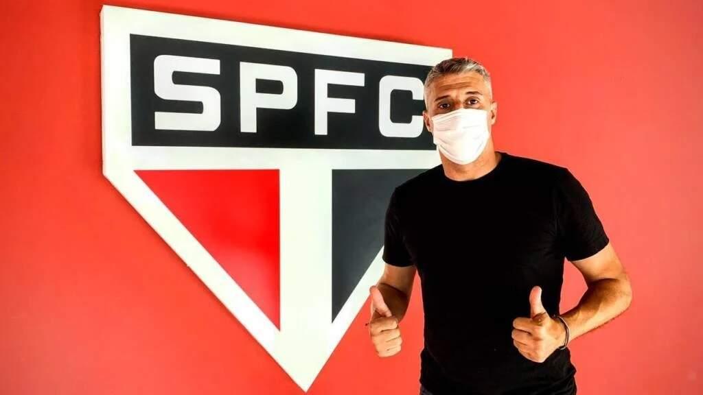 Crespo é inscrito no BID e estreará no banco do São Paulo contra o Botafogo-SP