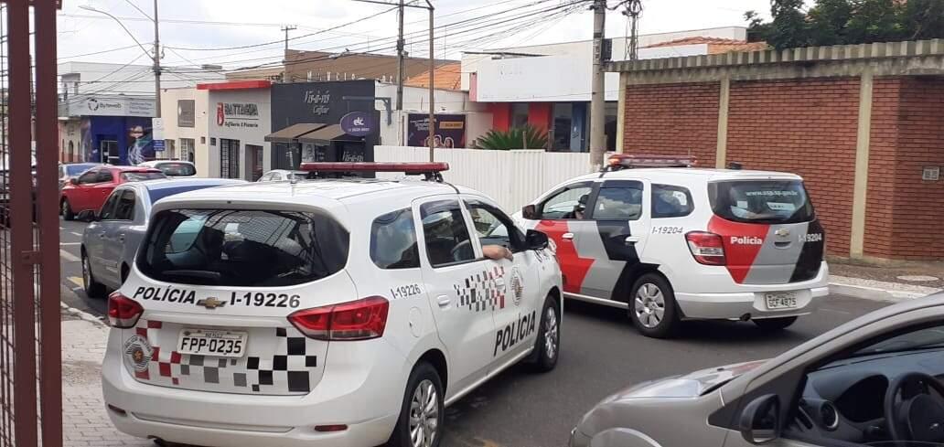 Homem tenta comprar veículo com documento falso  e é preso
