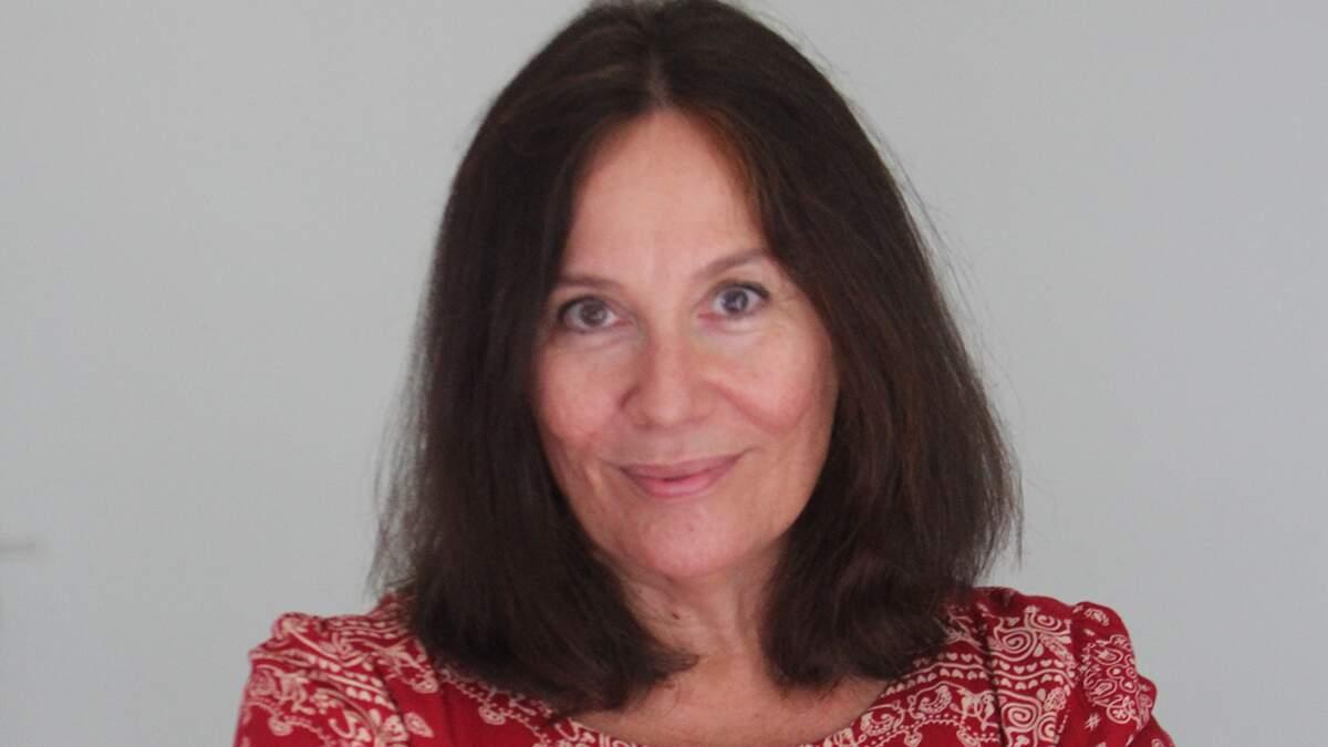 Escritora de Campinas representa o universo íntimo feminino em livro de poesias