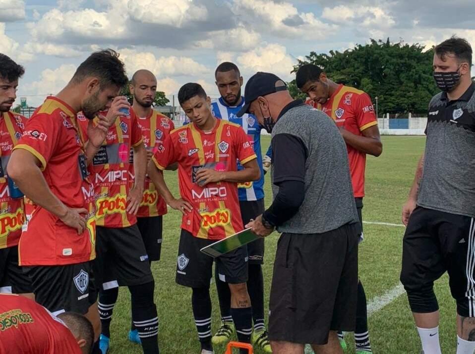 Rio Branco enfrenta o Primavera em jogo-treino nesta terça-feira