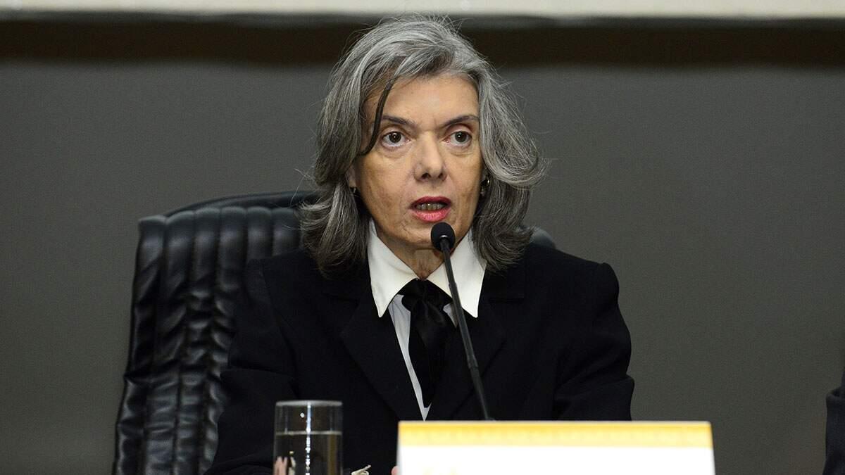 Carmén Lúcia dá 5 dias para Lira se manifestar sobre prazos de abertura de impeachment