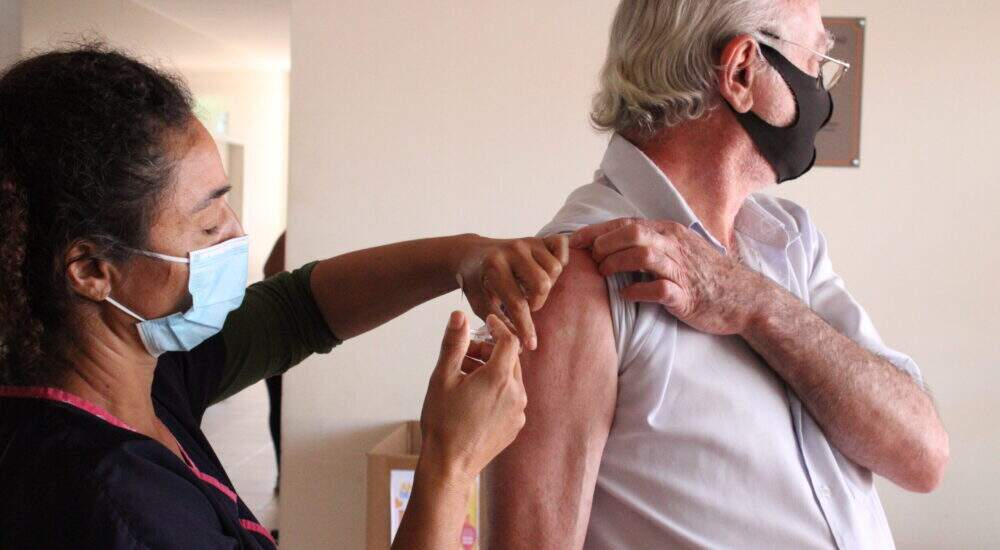 Região de Campinas tem 24 mil que não retornaram para segunda dose contra coronavírus