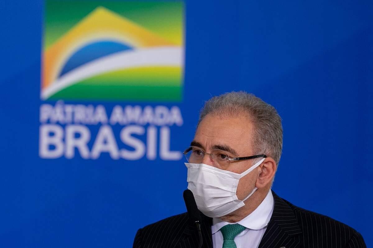 Queiroga diz que Fiocruz vai pedir autorização à Anvisa para testar nova vacina
