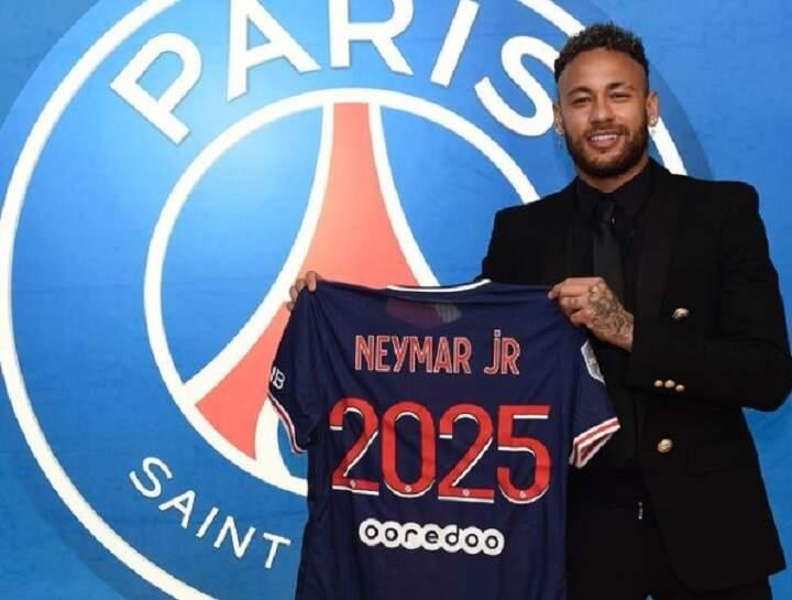 PSG anuncia renovação de contrato com Neymar até 2025