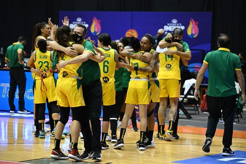 Seleção feminina sofre, mas bate Canadá e leva bronze na Copa América de  basquete - O Liberal