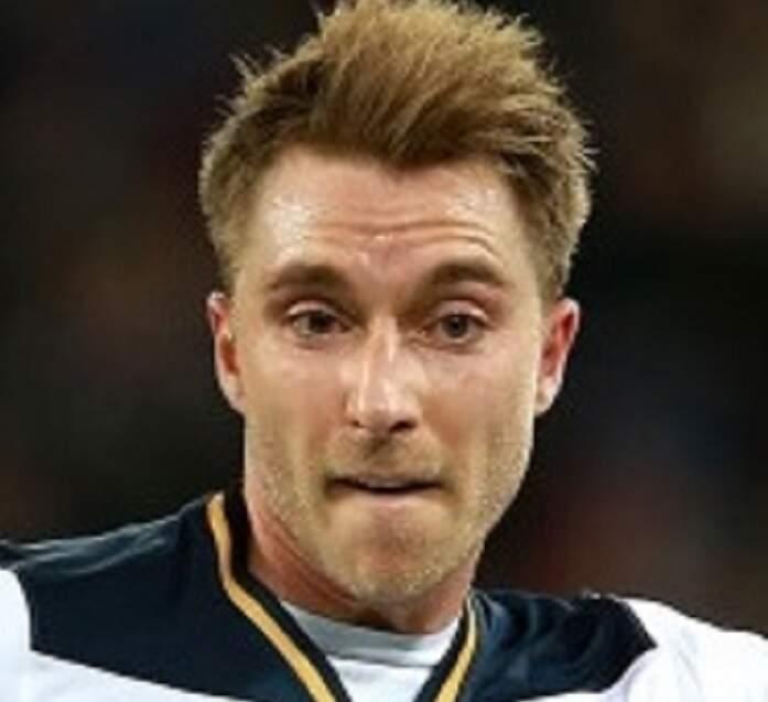 Astro da Dinamarca, Ericksen passa mal e sai desacordado de campo na Eurocopa