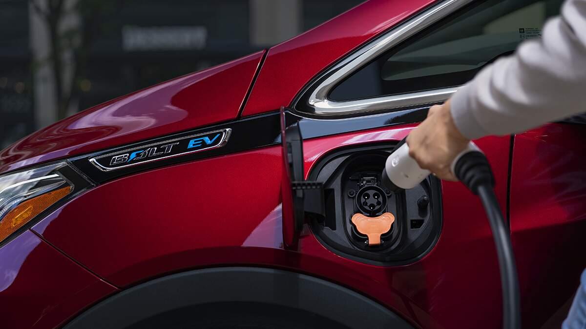 Frota de veículos elétricos cresce e impõe mudanças
