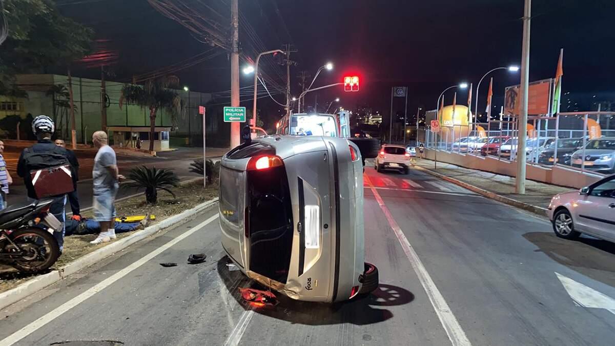Acidente na Avenida Nossa Senhora de Fátima deixa dois feridos