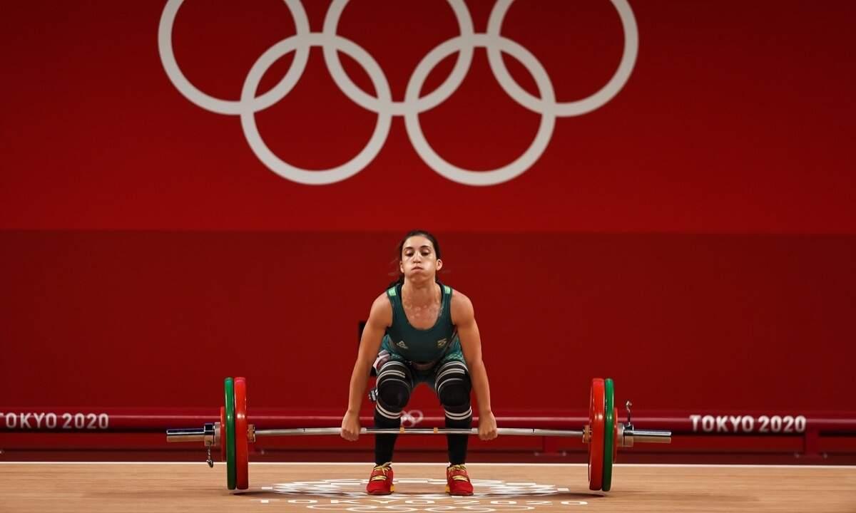 Natasha Rosa fica em 9º e chinesa bate 3 recordes no levantamento de peso