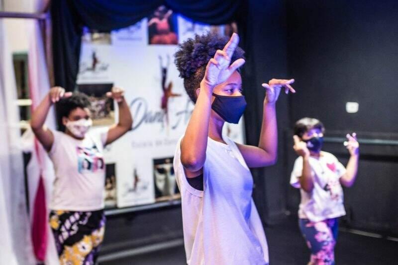 Hortolândia divulga podcast e oficinas de dança promovidas através da lei Aldir Blanc