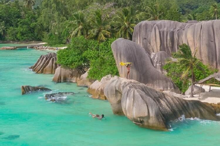As praias paradisíacas e natureza intocada em La Digue, Seychelles