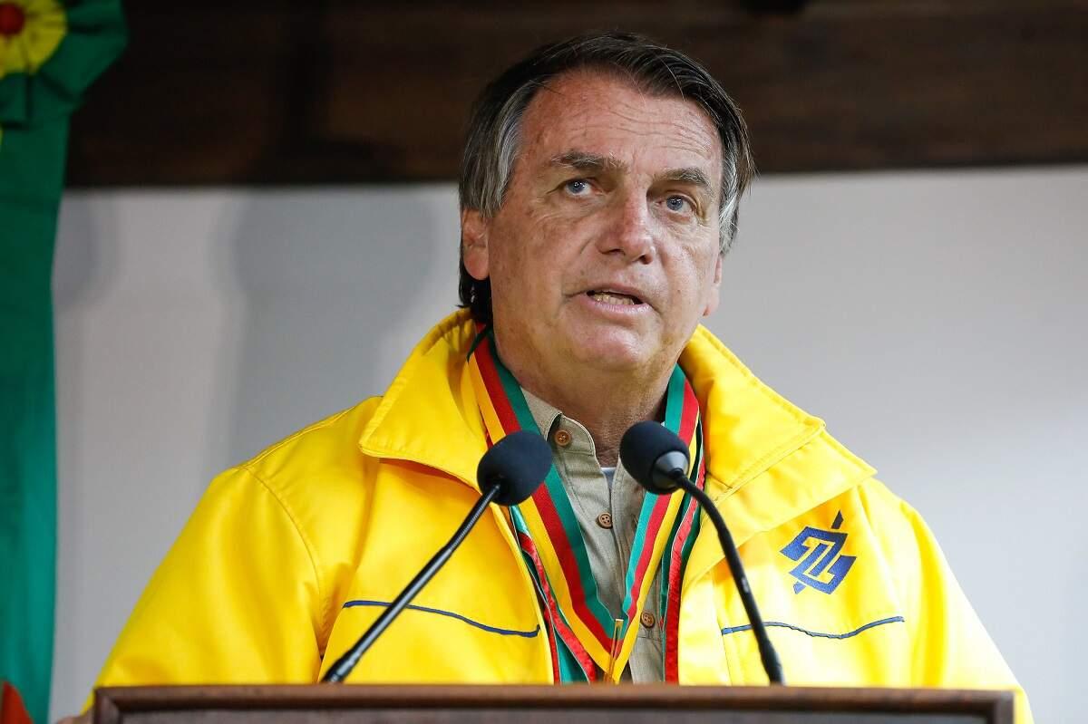 Bolsonaro diz que oposição com 'presidenciáveis aglomerados' nas ruas é 'digna de dó'