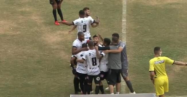 Com golaço do meio do campo, Rio Branco vence Itapirense por 3 a 2 no Décio Vitta